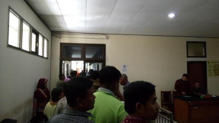 Warga Kebonharjo Kecewa Pihak PT KAI Tidak Hadir Dalam Persidangan