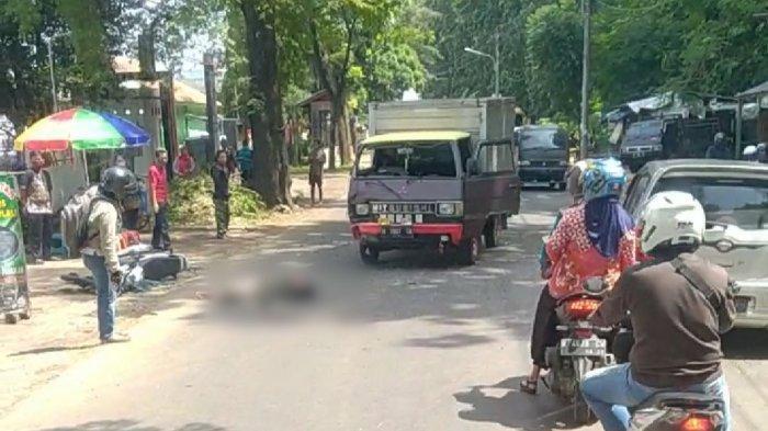 BREAKING NEWS: Kecelakaan Adu Banteng di Mijen Semarang Mobil Box vs Megapro, Pemotor Kritis