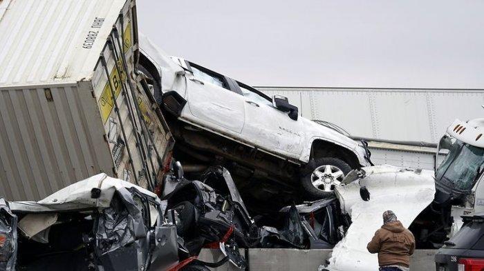 Kecelakaan Beruntun 4 Mobil Truk Vs Nav1, Range Rover dan Jeep di Tol Cawang, Begini Nasib Pengemudi