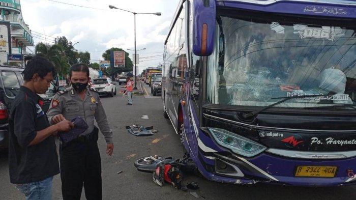 Pengendara Motor Tewas Tertabrak Bus di Simpang Empat Kebakkramat