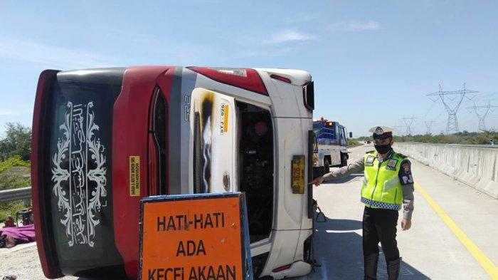 Kisah Korban Selamat Kecelakaan Bus STJ di Tol Pemalang: Tak Lama 'Pyaaarrrr' dan Bus Terguling