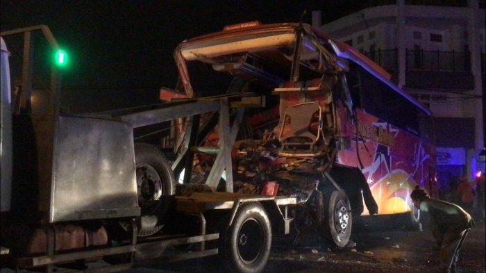 Sopir Bus Sugeng Rahayu Meninggal Kecelakaan Tabrak Benteng Takeshi Pasar Kertek Wonosobo