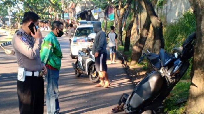 Mahasiswa Ngantuk Tabrak Mahoni di Turunan Silayur Semarang, Motor Berdiri Sandar Pohon