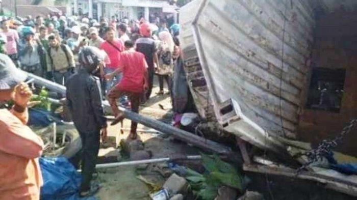 Kecelakaan Maut Truk Tronton Rem Blong Libatkan 8 Kendaraan, 1 Meninggal 1 Rumah Tertabrak