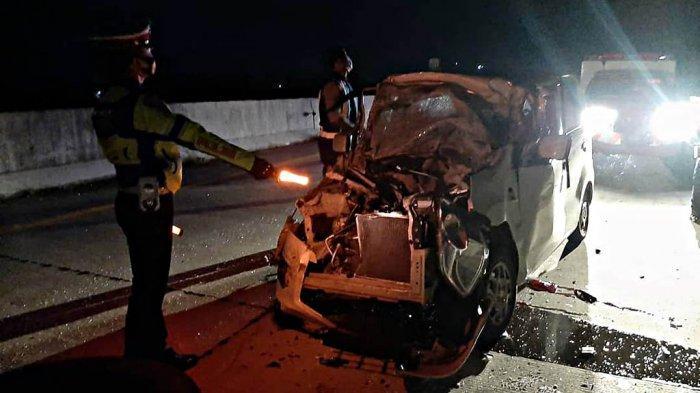 Dwi Indriati Meninggal Kecelakaan di Tol Nganjuk-Madiun, Mobil Karimun Ringsek Kena Belakang Truk