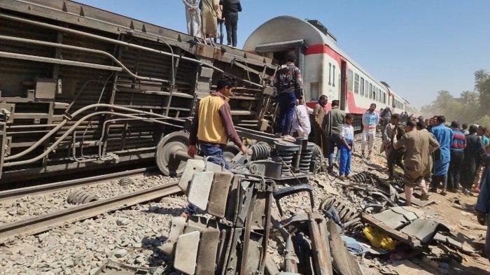 Orang Tak Dikenal Aktifkan Rem Darurat Sebabkan KA di Mesir Tabrakan, 32 Tewas dan 165 Luka-luka