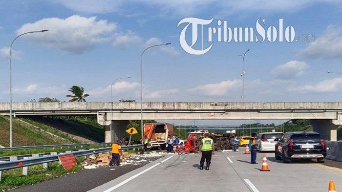 Kecelakaan Maut di Tol Semarang-Solo, Mobil Elf Vs Truk Boks, 1 Meninggal Dunia