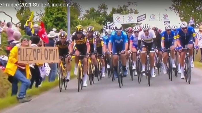 Wanita Ini Diburu Polisi Sebabkan Kecelakaan Beruntun Balap Sepeda Tour de France