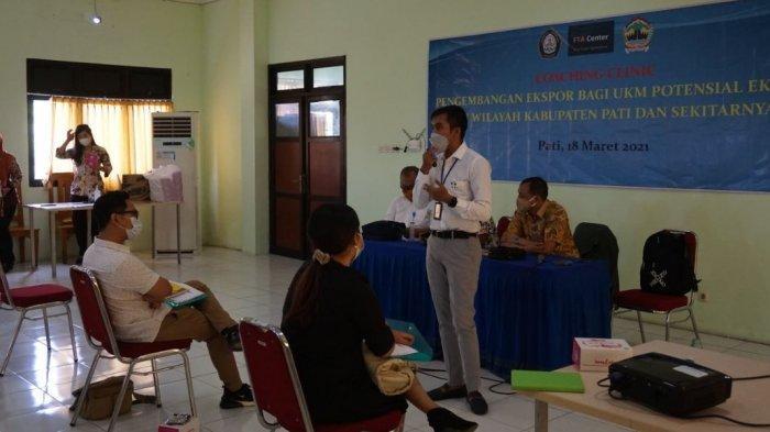 Kegiatan coaching clinic pengembangan ekspor bagi Usaha Kecil Menengah (UKM) potensial di Aula Disdagperin Pati, Kamis (18/3/2021).