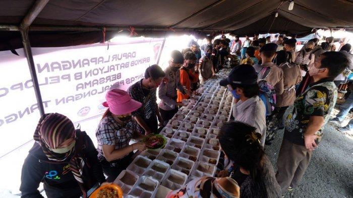7.700 Keluarga Terdampak Banjir Rob di Pekalongan, Polda Jateng Dirikan Dapur Lapangan