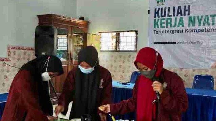 Tim KKN IAIN Kudus Beri Pelatihan Pembuatan Es Krim Sayuran di Jetak Pati