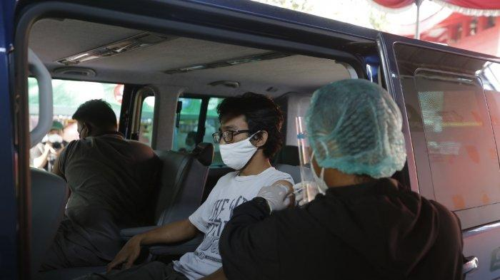 Vaksinasi Corona Drive Thru di Semarang Diinisiasi Hendi Untuk Hindari Kerumunan