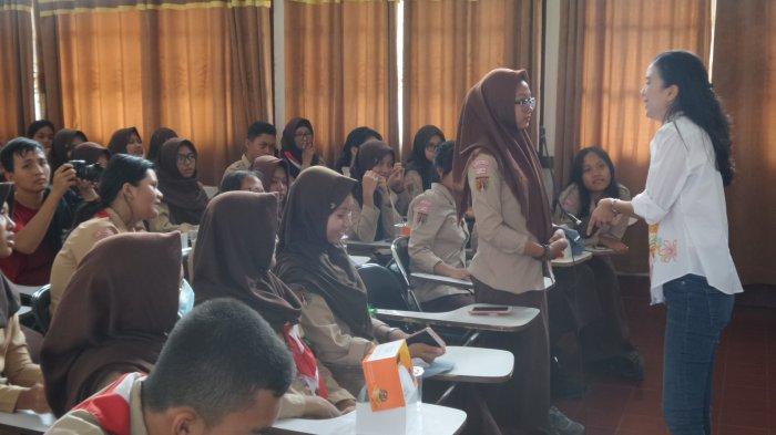 Syanaz Winanto Ajak Siswa SMAN 1 Semarang Manfaatkan Sosmed untuk Branding