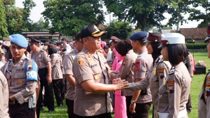 Puluhan Personel Polres Salatiga Naik Pangkat, AKBP Gatot: Ingat, Kerja Polri Makin Berat