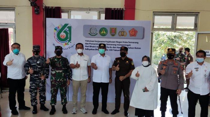 Kejari Kota Semarang Bersinergi dengan Pemkot Gelar Vaksinasi Bagi Warga Mijen