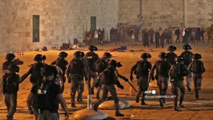 Jemaah di Masjid Al Aqsa Palestina Diserang Israel,Qatar: Itu ProvokasiMuslim Seluruh Dunia