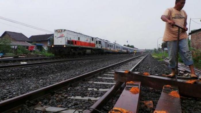 PT KAI Kebut Perbaikan Jalur Gogos Dan Longsor di Kebumen