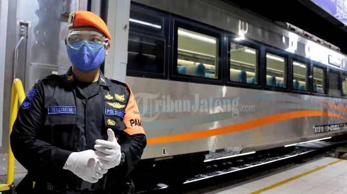Tazkiyah Duduk Sendirian dalam Gerbong KLB Surabaya-Semarang, Wajib Bawa Surat Tugas Kantor - kereta-luar-biasa-kai-1.jpg