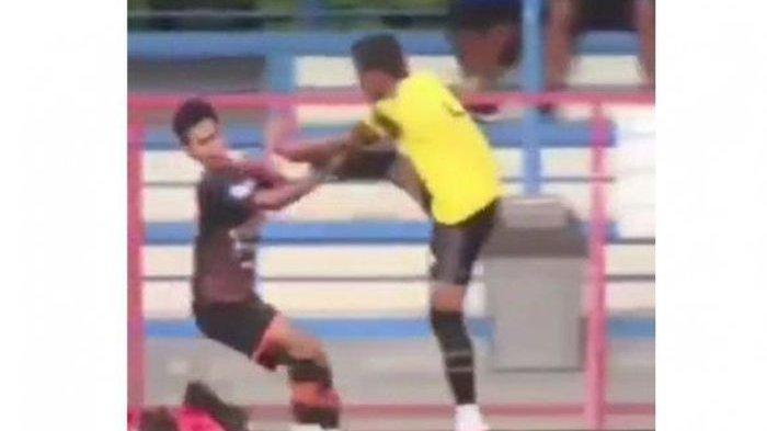 Aksi kericuhan terjadi di laga uji coba AHHA PS Pati FC melawan Persiraja Banda Aceh.