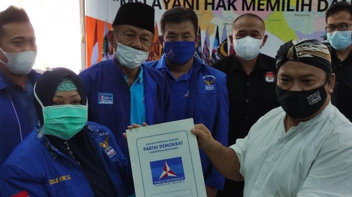 Anggota DPRD & Pengurus Partai Demokrat Banyumas Datangi Kantor KPU, Serahkan SK Kepengurusan