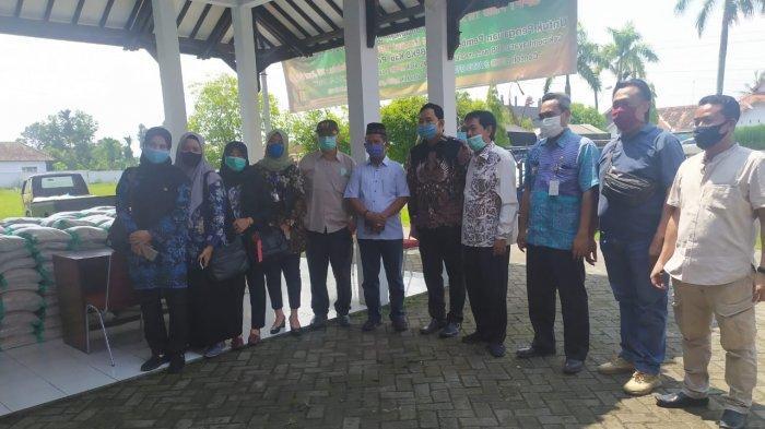 Komisi IV DPRD Kab Pekalongan Pantau Penyaluran Bantuan Pangan untuk Warga Terdampak Covid-19
