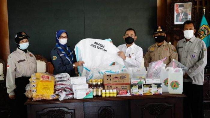 Bupati Pati Haryanto Terima Bantuan Baju APD dari Pramuka Kwarda Jateng