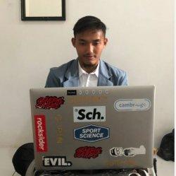 Kiper ketiga PSIS Semarang, Muhammad Fadli Jalani Seminar Proposal Skripsi dari kos rekan satu kampus .