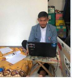 Kiper Ketiga PSIS Jalani Seminar Proposal Skripsi Secara Virtual dari Kos