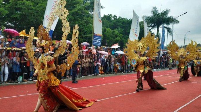 Ribuan Warga Brebes Tumpah Ruah Saksikan Kirab Budaya Sambut HUT ke-341 Brebes
