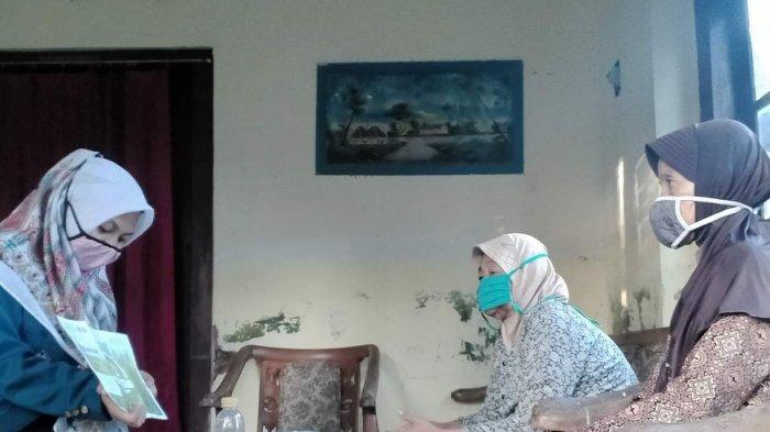 Nasi Basi Jadi Pupuk Organik Cair Racikan Mahasiswa KKN Undip