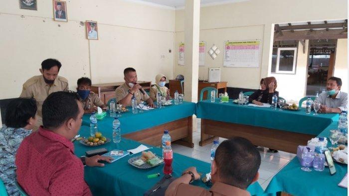 Komisi II DPRD Kabupaten Pekalongan monitoring pasca banjir yang terjadi di Kecamatan Wonokerto, Pekalongan.