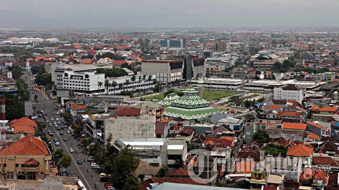 Penyelesaian Alun-Alun Johar Kota Semarang Kurang Penataan Drainase dan Jalan