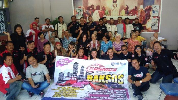 Menjelang Lebaran, Komunitas Mobil Semarang Adakan Baksos di Dua Panti Kota Semarang