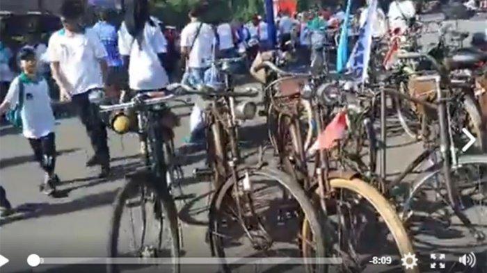 Komunitas Sepeda Tua Indonesia Ramaikan Reuni Akbar SMAN 1 Semarang (Video)