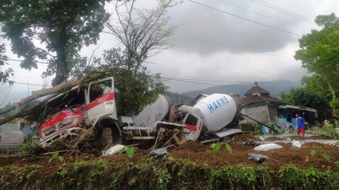 Sebelum Kecelakaan Truk Molen di Ngargoyoso, Supri Dengar Bunyi Klakson Panjang: Lalu Suara Duorrr