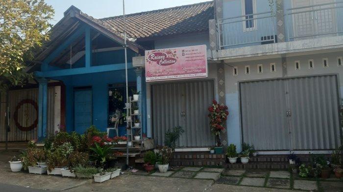Kondisi rumah Y (20) pelaku investasi bodong di Desa Jambu, Kecamatan Mlonggo, Kabupaten Jepara tampak sepi.