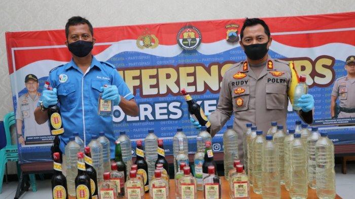 Ingin Warga Khusyuk Berpuasa, Polres Kebumen Sita Puluhan Botol Miras di Warung-warung