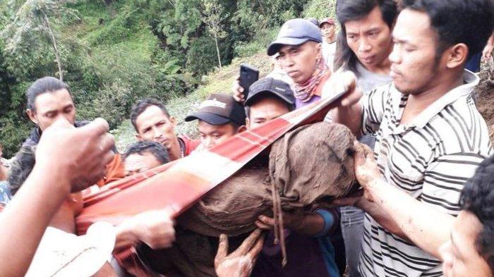 Kesaksian Anak Selamat Longsor Magelang: Jalan Pulang Tertutup, Baru Bersihkan Kena Longsor Susulan