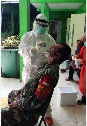 Cegah Penyebaran Virus Corona, Anggota Koramil 10/Guntur Lakukan Tes Swab