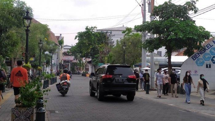 Kondisi Kota lama saat akhir pekan di tengah pemberlakukaan PPKM Level 2 di Kota Semarang, Sabtu (11/9/2021).