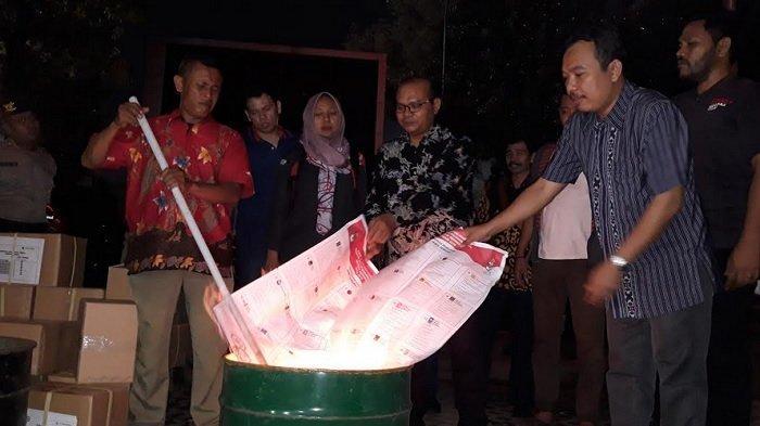 KPU Kota Semarang Musnahkan 35.210 Surat Suara