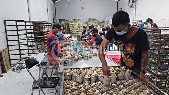 Produksi Kue Keranjangnya Menurun Selama Pandemi, Yongky Malah Berani Tambah Karyawan