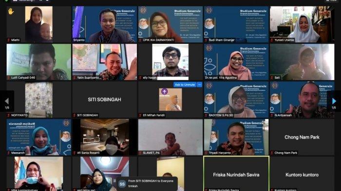 Kuliah Perdana Pascasarjana UMP Purwokerto Hadirkan Kemendikbud