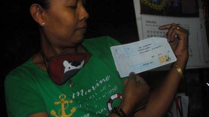 Kusmiyati (47) saat ditemui di rumahnya di Desa Panunggalan, Kecamatan Pulokulon, Kabupaten Grobogan, Jawa Tengah, Kamis (25/2/2021) sore.