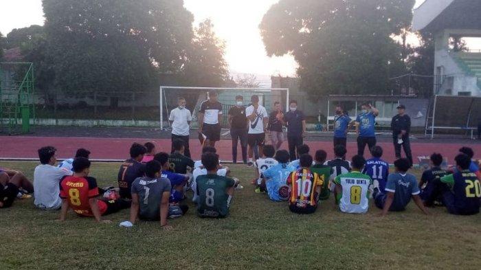 Latihan perdana PSISa Salatiga di Lapangan Kridanggo diikuti 26 pemain.