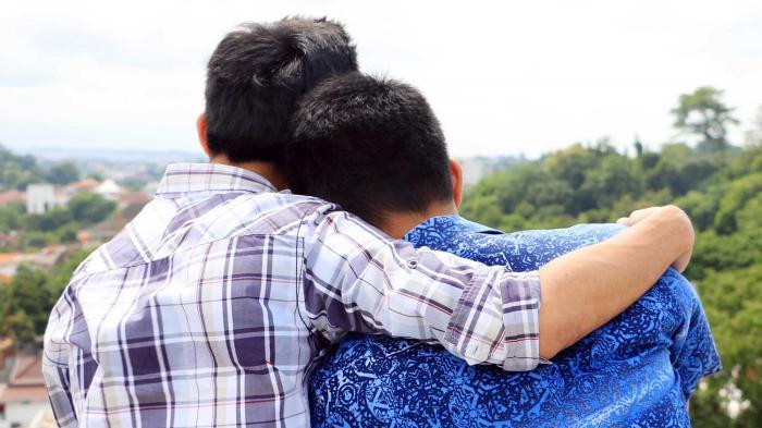 HEBOH! Artikel Cara Mengenali Gay dan Lesbian