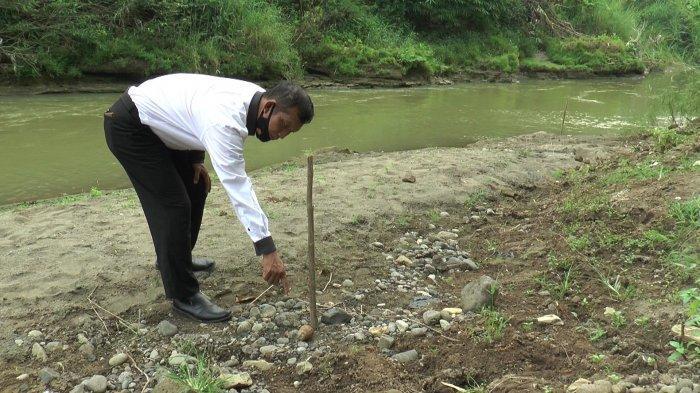 Parlan Temukan Besi Karatan di Sungai Kendal, Dicek Ternyata Granat Nanas