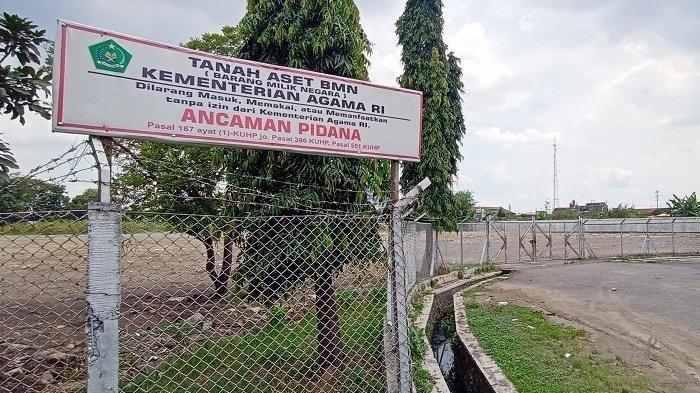 Kondisi lokasi pembangunan Masjid Sheikh Zayed Solo, Kelurahan Gilingan, Kecamatan Banjarsari, Kota Solo, Senin (29/3/2021).