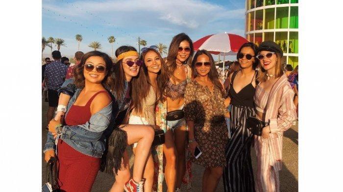 Luna Maya, Diana Nassimudin dan teman-temannya di acara Coachella 2019 Festival Fashion