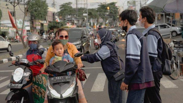 KKN Mandiri Pengakuan UIN Walisongo Semarang Gelar Khataman Alquran dan Pembagian Takjil